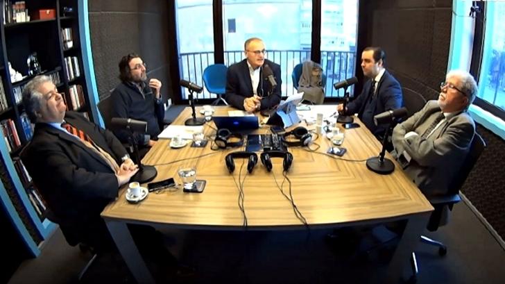 Fiscalía investiga 12 audios que provocaron renuncia de Valdez a la AUF