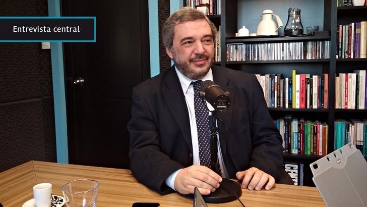 Mario Bergara defendió intervención del Banco Central para evitar subas abruptas del dólar ante crisis Argentina: «Las circunstancias son específicas y transitorias»