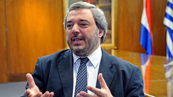 """Bergara sostuvo que """"shock de austeridad"""" de Lacalle Pou """"suena a motosierra"""""""