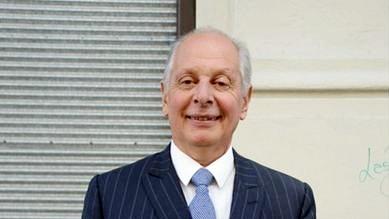 Campaña de Salle contra «bancarización obligatoria» no llegará a las firmas necesarias