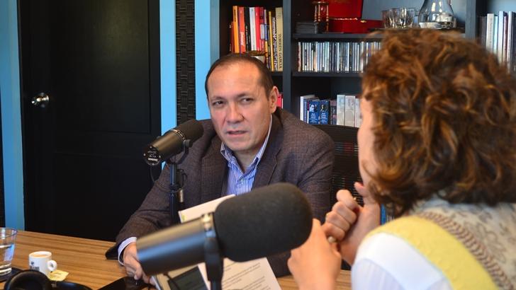 ¿Corre riesgo el acuerdo de paz con las FARC en Colombia? Para el senador Antonio Sanguino, las objeciones del actual presidente «hacían trizas» la justicia transicional