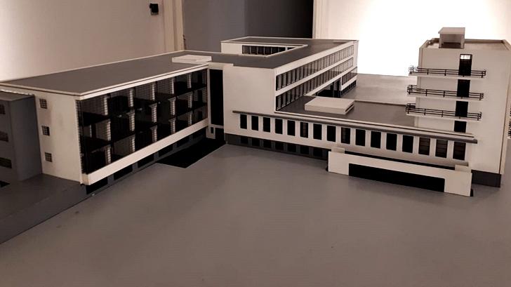Llegó al Museo Blanes la escuela de diseño Bauhaus, que cumple 100 años