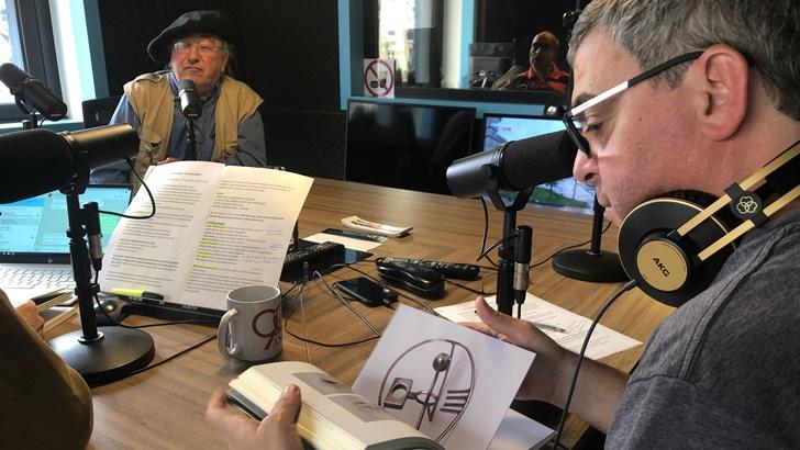 Un mate con Rodolfo Panzacchi, autor de Sótano de la resistencia cultural sobre el taller de orfebrería de Ruben Zina Fernández (La Canoa T02P147)
