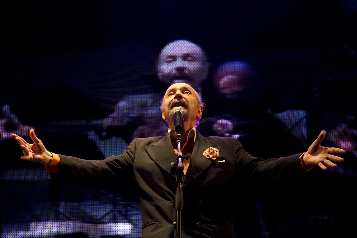 En Aquellas voces sonó la voz del poeta y compositor de tango Horacio Ferrer (La Canoa T02P182)