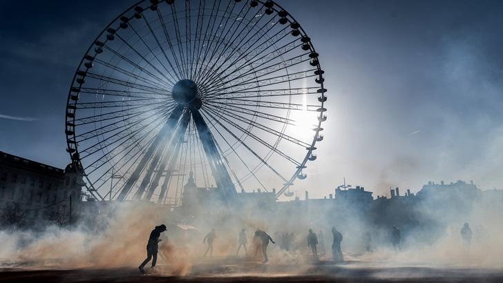 Francia otra vez al borde de una crisis: ¿Podrá Macron sacar adelante su reforma jubilatoria?