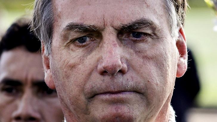 Bolsonaro cambia seis ministros bajo presión por el manejo de la pandemia de covid-19