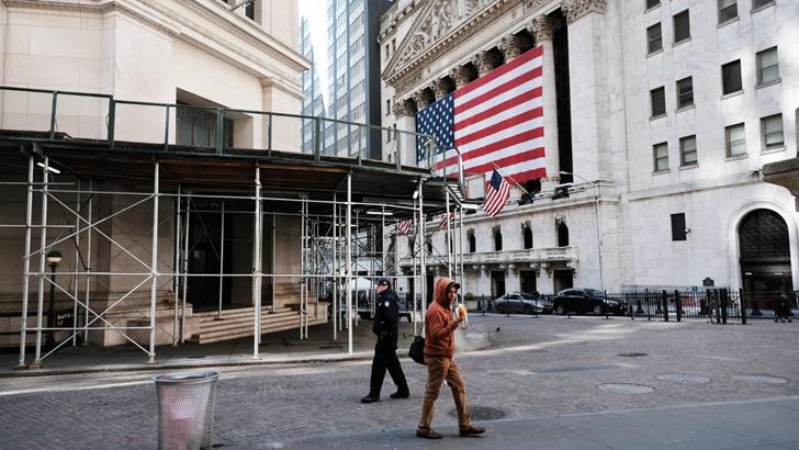 Países lanzan planes de intervención estatal para rescatar la Economía