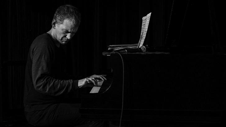 Brad Mehldau presenta su Suite: Abril 2020: Música y reflexiones de este tiempo (Caminos Cruzados)