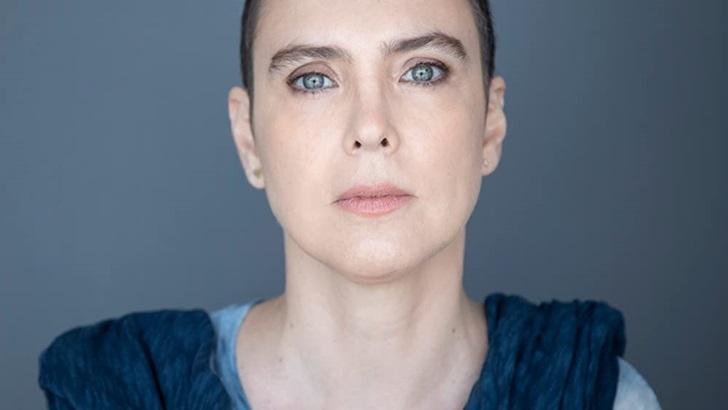 Adriana Calcanhotto lanza Só, con canciones de la cuarentena (Caminos Cruzados)
