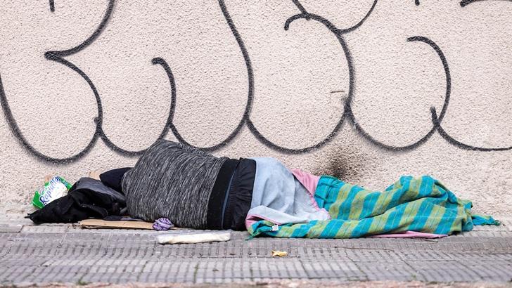 Cantidad de personas en situación de calle aumentó 25%