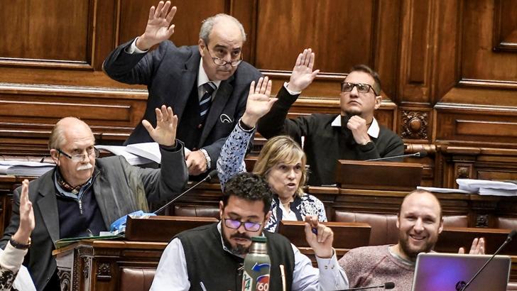 Presupuesto: Mientras se vota, oficialismo y oposición confrontan visiones sobre el gasto público