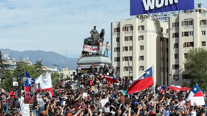 La Hora Global.Chile y el Mito constitucional (T03P01)