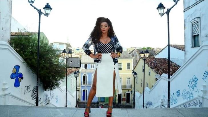 Samba Chic en la voz de Paula Lima