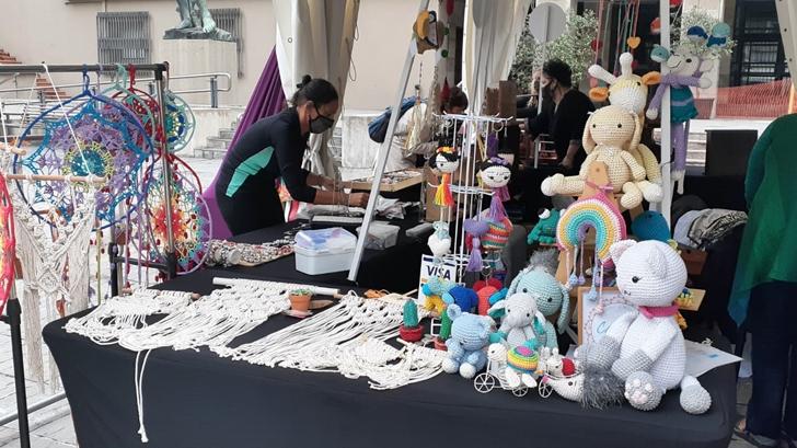 Los ojos de la radio: Feria de Mujeres Emprendedoras en la explanada de la Intendencia de Montevideo