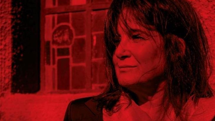 En Primera Fila: Eduardo Rivero reseña el disco Transeúnte de Begoña Benedetti