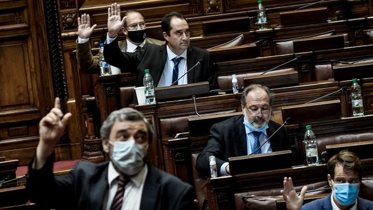 Parlamento aprobó extensión de limitaciones al derecho de reunión