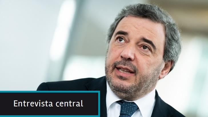 """Senador Mario Bergara (FA): Las nuevas medidas del gobierno """"van en la dirección correcta"""" pero con """"montos exiguos que deberían ser más significativos"""""""