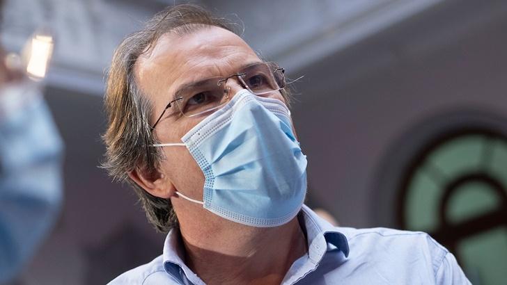 """Hoy Rivera tiene peores números que Livramento, pero """"la vacunación está dando resultado"""" y los jornales solidarios «llegan en el momento justo», dice su intendente"""