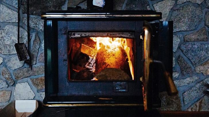 Estufas a leña: ¿Cómo utilizarlas de forma más eficiente y menos dañina para la salud y el medio ambiente?