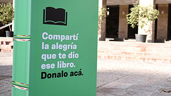 Los ojos de la radio: Se instalaron más buzoneras para donar libros en distintos puntos de Montevideo