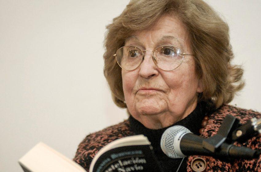 100 años de Amanda Berenguer: Conversamos sobre su lugar en la poesía uruguaya con Fernando Medina