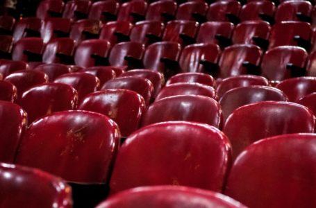 20181028/ Javier Calvelo – adhocFOTOS/ URUGUAY/ MONTEVIDEO/ 18 de Julio – CINEMATECA 18/ Proyecto documental sobre el ultimo mes de funciones en la vieja y tradicional infraestructura de salas de la Cinemateca Uruguaya. Cinemateca Uruguaya es una filmoteca uruguaya con sede en Montevideo, Uruguay, fundada el 21 de abril de 1952. Es una asociación civil sin fines de lucro cuyo objetivo es contribuir al desarrollo de la cultura cinematográfica y artística en general. Trabajan en esta sala: Eugenia Assanelli y Mónica Gorriarán en boleteria atencion de publico.  Alejandro Lasarga proyeccionista, y tambien en boletería Gustavo Gutiérrez.  En la foto:  Cinemateca 18. Foto: Javier Calvelo/ adhocFOTOS
