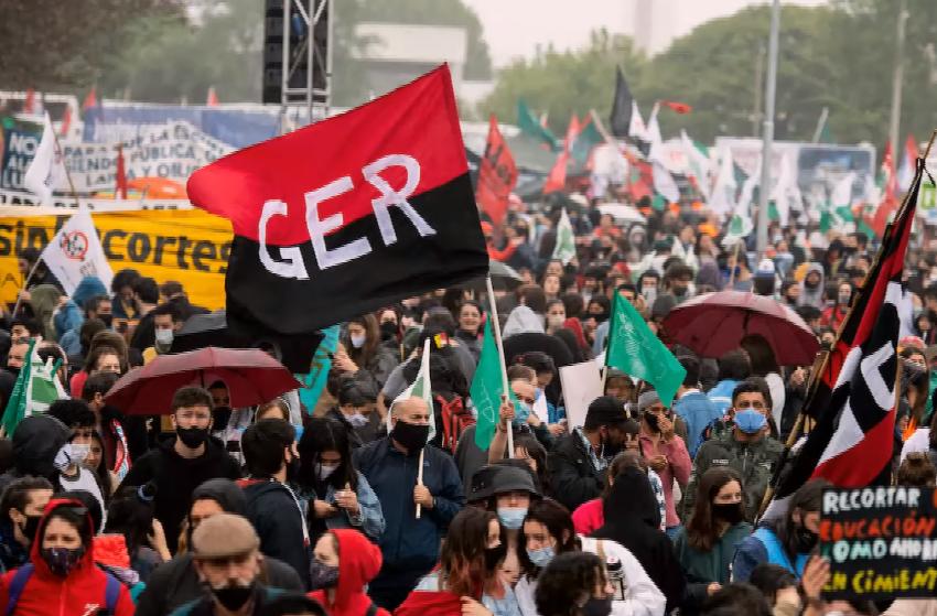 Consejos de Salarios: ¿Qué sentido tienen en un contexto de crisis? Pablo Carrasco propone el debate
