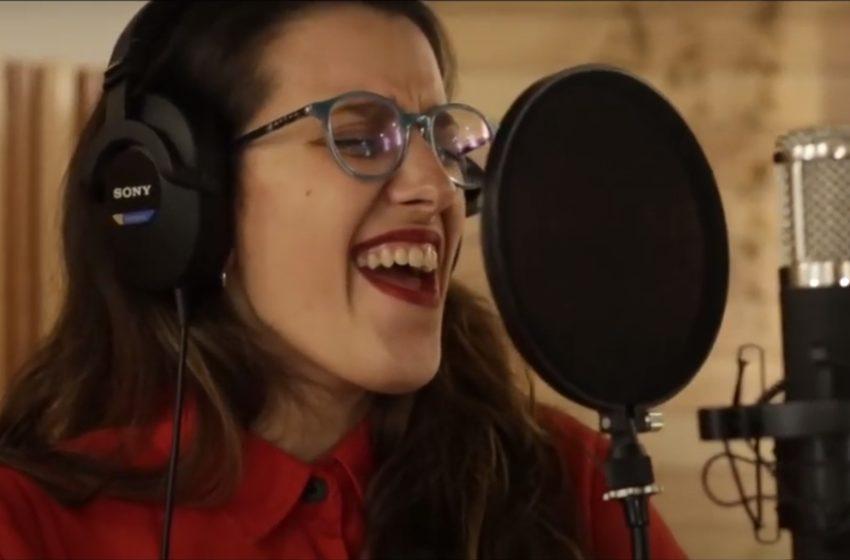 La Música del Día: Johanna Duarte se presenta en Acústicas