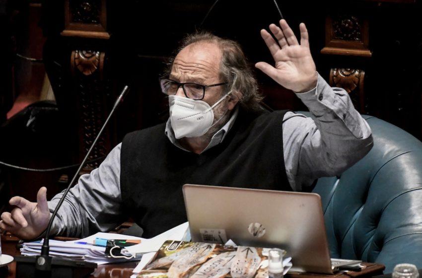 Daniel Olesker (FA) sobre las «muertes evitables»: El ministro Salinas «reconoció que era un concepto técnico y que había responsabilidad de la política de salud»; «no es un concepto chicanero»