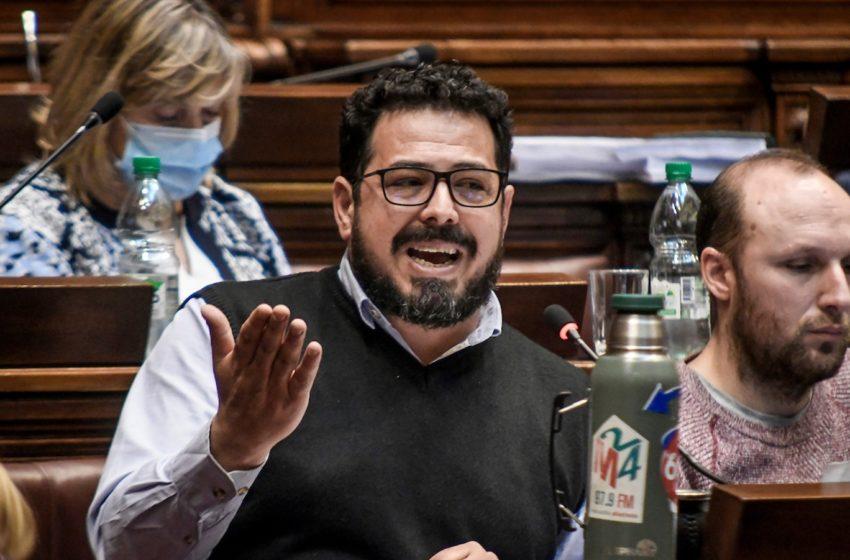 Alejandro Sánchez (FA-MPP): La «hazaña» de la recolección de firmas contra la LUC merece «un poco más de respeto y menos soberbia por parte del gobierno»